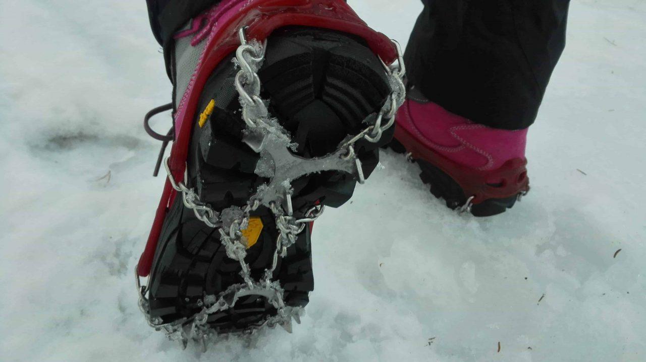 bruk brodder på snø og is
