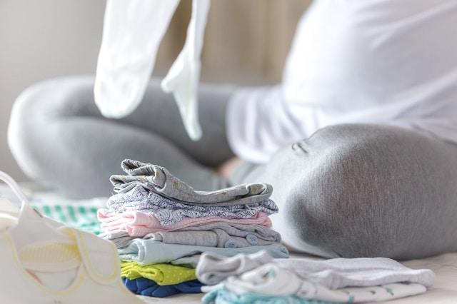 vask babyklær før fødselen