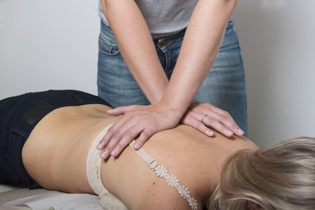 ryggbehandling hos kiropraktor
